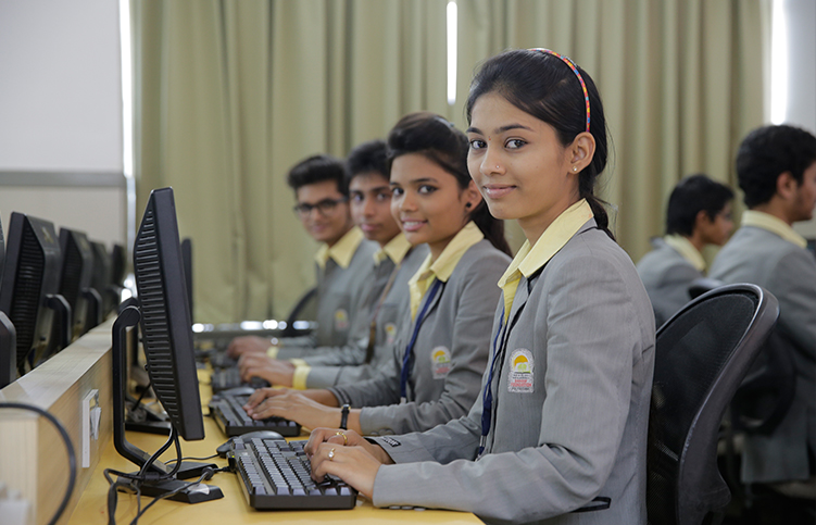 Bachelor in Business Adminstration degree college in Nashik India