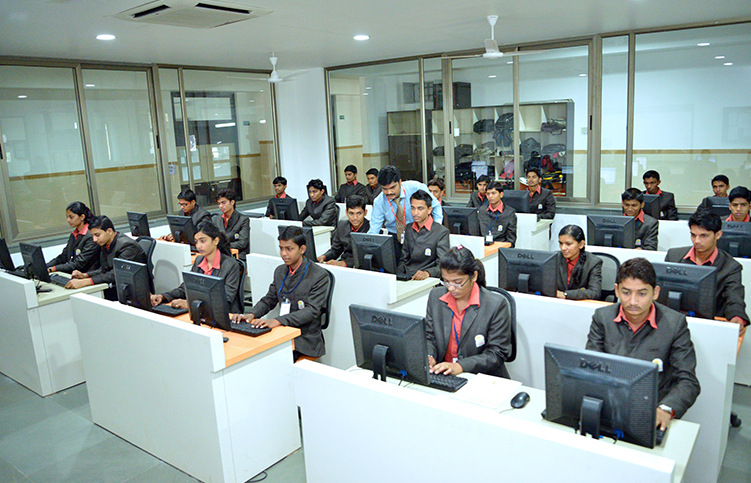 M.com degree in college in Nashik, Maharashtra